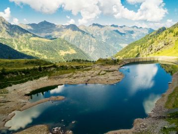 ORGANISMO INTERMEDIO Interventi di depurazione dei laghi prealpini n 50